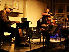 bando-band LIVE