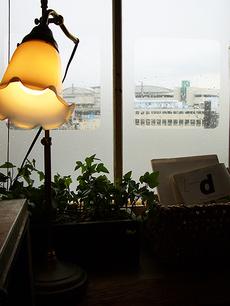 雨のumie。窓から